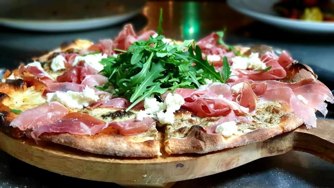 Pizza Traditoneel Itailiaans bij Roberto Alkmaar